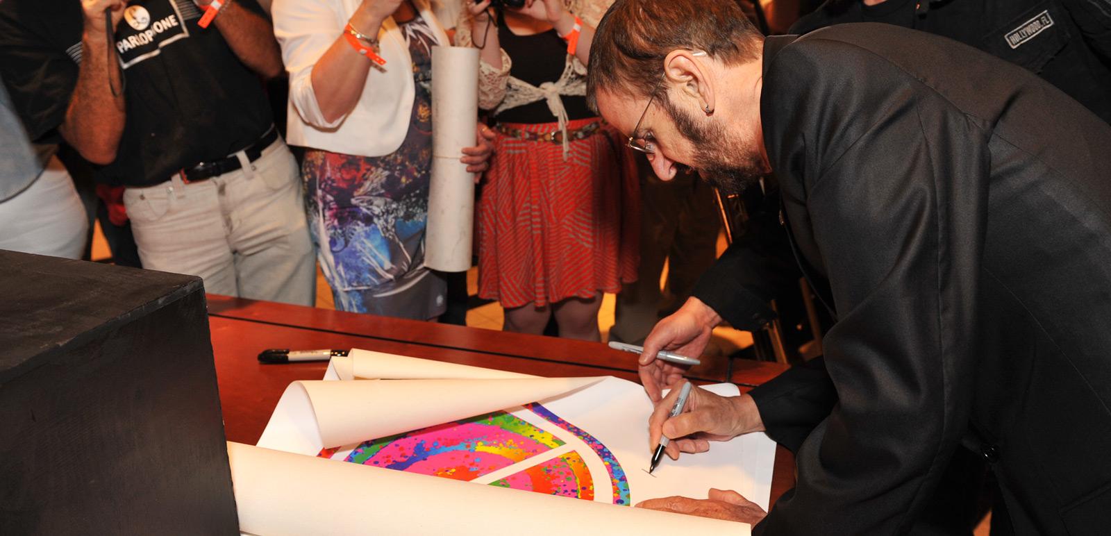 Ringo Starr singing his art